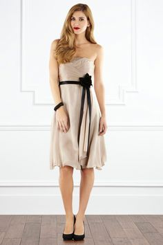 i actually kinda like this...even though i would never be able to pull it off >.