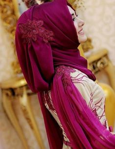 Dress Hijab Wedding Muslim Girls Ideas Source by Hijab Dress Party, Hijab Style Dress, Hijab Wedding Dresses, Hijab Chic, Hijabi Girl, Girl Hijab, Abaya Fashion, Muslim Fashion, Dress Fashion