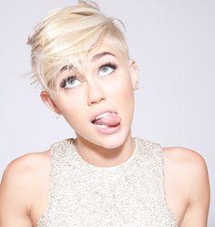 Miley Cyrus – Fall Down (Solo Version)