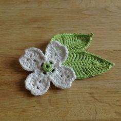 Suvi's Crochet: Dogwood Flower and Leaf...free pattern!