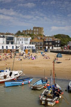 Broadstairs - a charming seaside resort on the Kent coast with connections to a giant of the literary world. Seaside Village, Seaside Towns, Weekends Away Uk, Margate Kent, British Seaside, British Isles, Kent Coast, Visit Britain, Kent England