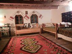 Casă tradițională, transformată într-un centru de artiști. Se întâmplă la Țopa, în Mureș – Fabrika de Case