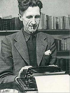 """George Orwell, escritor e militante inglês autor de """"1984"""" e """"A Revolução dos Bichos"""""""