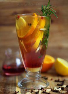 ZIELONA HERBATA Z IMBIREM, POMARAŃCZĄ I MIODEM | COOL & MINTY Colorful Drinks, Sugar Free Desserts, Hurricane Glass, Pint Glass, Smoothies, Herbalism, Beverages, Food And Drink, Latte