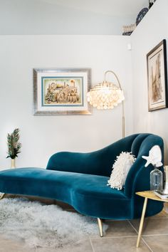 Beautiful teal velvet chaise lounge sofa in glam living room Living Room Sofa Design, Cozy Living Rooms, Home And Living, Living Room Designs, Furniture Decor, Living Room Furniture, Living Room Decor, Furniture Design, Bedroom Decor