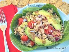 35 Yummy Nutritionist-Approved Ways to Eat Canned Tuna Canned Tuna Recipes, Cooking Recipes, Healthy Recipes, Healthy Dishes, Runners Food, Grain Foods, Salad Ingredients, Healthy Eating, Clean Eating