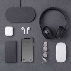 Mobiles, Apple Iphone, Iphone 11, New Technology Gadgets, Latest Technology, Accessoires Iphone, Wireless Charging Pad, Charging Cable, Edc Everyday Carry