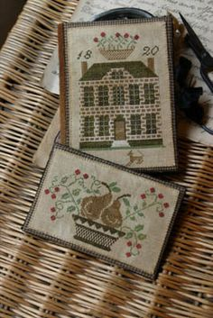 Stacy Nash Primitives Boxwood Manor Sewing Book & Thread Keep.