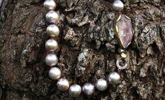 Christina Cunali - colar pérolas fecho turmalina /pearl necklace with watermellow turmalin clasp