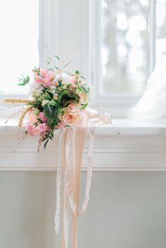 Sweet sweet garden bouquet  www.petalsandhedges.com Love Knot Photo