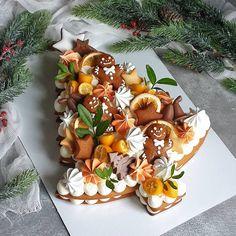Recipe number cake easy to make - Amourducake Christmas Tree Cake, Christmas Sweets, Christmas Cooking, Merry Christmas, Cake Cookies, Cupcake Cakes, Cupcakes, Bolo Original, Sweet Magic