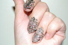 Vampire Sheild Nail Ring-  Nail Art Kuckle Ring Unique Halloween Filigree Jewelry - Halloween Steampunk Ring Vampire Gothic Vampyre