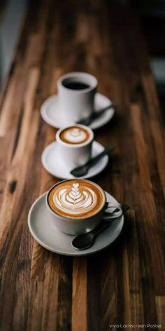 Mermaid Drink, Breakfast Of Champions, Latte Art, Coffee Cafe, Coffee Recipes, Drinking Tea, Healthy Drinks, Food Photography, Tableware