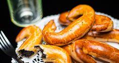 Pozsonyi kifli recept Bread Recipes, Cooking Recipes, Hungarian Recipes, Hungarian Food, Bratislava, Small Cake, Bread Rolls, Croissant, Breakfast Recipes