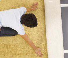 Układanie wykładziny dywanowej: zrób to sam. Montaż wykładziny na klej lub taśmę - murator.pl Shag Rug, Rugs, Decor, Shaggy Rug, Farmhouse Rugs, Decoration, Blankets, Decorating, Rug