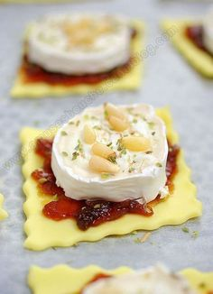 Tartlets with onion confit and goat cheese – 30 easy-to-make appetizer recipes – 30 easy recipes for a successful aperitif! Easy To Make Appetizers, Appetizer Recipes, Cooking Time, Cooking Recipes, Fingers Food, Recipe 30, Tasty, Yummy Food, Snacks Für Party