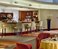 Il bar dell'Esplanade Tergesteo. Di gran classe non trovate?  http://www.esplanadetergesteo.it/it/hotel_esplanade_tergesteo/ristorante.php