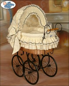 Wicker Crib Retro Vintage Moses Basket bassinet in Cream-Black from www.babyshoppingmarket.com #babyshoppingmarket #wicker #crib #retro #vintage