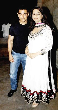 Photos: Actor throws a grand party to celebrate the anniversary of the film that made him a Bollywood star and a household name. In attendance were the film's heroine and Aamir's frequent co-star Juhi Chawla, nephew Imran Khan with wife Avantika M Aamir Khan, Imran Khan, Juhi Chawla, Influential People, Aishwarya Rai, Bollywood Stars, 25th Anniversary, Role Models, India