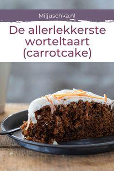 Carrotcake, worteltaart of wortelcake. Misschien wel het tweede cake recept dat naast mijn bananencake hier heel vaak op tafel staat. Met o.a. sinaasappel, wortel, kaneel, rozijnen en een laag frosting met citroenrasp en sinaasappelrasp. Door de wortel in dit cake recept wordt je cake niet snel droog. Lees het hele recept op de website #miljuschka #worteltaart #carrotcake #cake