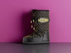 Moschino Fall/Winter 2015 pre-collection accessoriess - See more on www.moschino.com