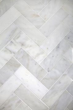 This tile layout looks stunning and elegant!