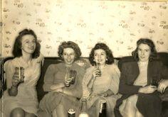 pretty '40s ladies