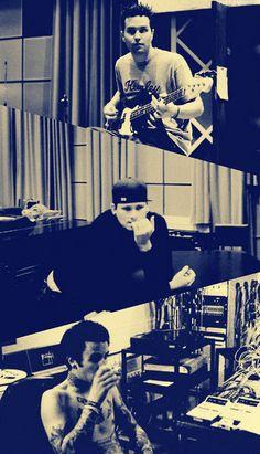 Mark Hoppus, Tom Delonge and Travis Barker - Blink 182