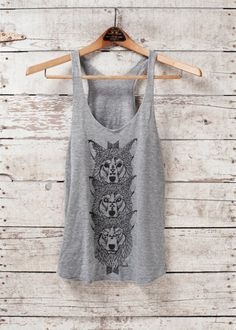 coolest wolf shirt evAr... I'm gonna try to make it.
