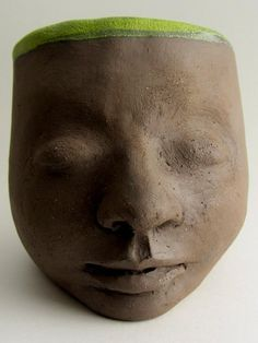 How to handbuild and glaze clay head planters. The whole process step by step. Pottery tutorial with ceramic techniques and tips.