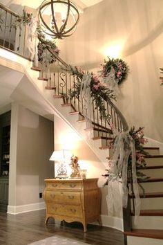 Narrow staircase decor ideas stairway decorating for wedding wall Wedding Staircase Decoration, Wedding Stairs, Christmas Stairs Decorations, Christmas Staircase, Wedding Decorations, Stairway Decorating, Beauty Room Decor, Stair Decor, Staircase Design