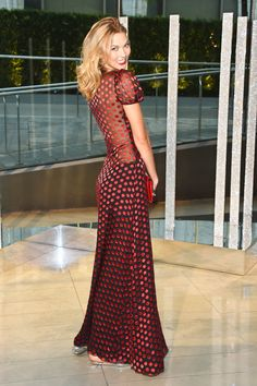 NEW YORK, NY – JUNE 01:  Model Karlie Kloss attends the 2015 CFDA Fashion Awards  at Alice Tully Hall at Lincoln Center on June 1, 2015 in New York City.  (Photo by Larry Busacca/Getty Images) 554006101