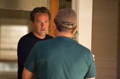 Ryan finally informs his gardener Miguel that Janie is dead. #RyanKing #MatthewPerry #GoOn