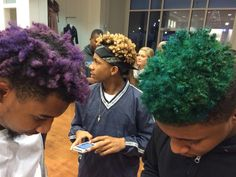 cunt-lyfe:foreverpruned:mahonablu:الأزياء و الرفاهيةBlack boys with color in there hair should be the new wavei miss my purple hair everyday