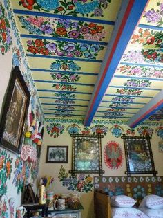 Amazing flowery patterns in Zalipie, Poland. Must see for all folk art lovers!