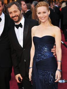 Leslie Mann in Roberto Cavalli, Oscars 2012. The full-length version of this photo doesn't look as pretty (to me) so maybe the dress would work better if it were shorter.
