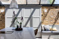 South London Interior Garden Designer transforms your home into an inspiring space that is totally unique and full of character. House Design, Interior, Home, London Interior, Interior Design Kitchen, Interior Garden, Open Plan Kitchen Diner, Large Open Plan Kitchens, Interior Design