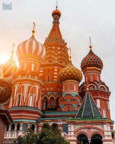 MOSCÚ Rusia  . . . El Bello Arte de Viajar  Time to Travel . . . #Moscow #Russia #atrevete #viajar #TimeToTravel #traveling #vive #viaja #live #travel #traveller #love #wanderlust #ElBelloArteDeViajar #vacation #motivation #holiday #dinero #travelgram #paradise #mentesmillonarias #picoftheday #luxury #network #networkmarketing #instatravel #instapassport #nature Barcelona Cathedral, Taj Mahal, Love, Twitter, Photos, Moscow Russia, Fine Art, Money, Traveling