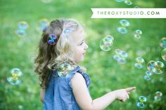 Photography by Samantha McGranahan, The Roxy Studio. Lifestyle photography, family photography, sprout session, fun photography props, photo props, little girl, bubbles, day at the park, Deming Park, Terre Haute
