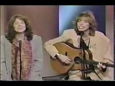 Winkin', Blinkin' and Nod - Carly Simon, Lucy Simon -1991.mov.and there's a version of this song that was sung by Micheal Mcdonald that I love too!