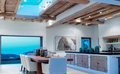 ¿Dónde te formaste y cuanto tiempo llevas ejerciendo en Ibiza? Me crié en una familia que ha estado diseñando y construyendo durante tres generaciones y...