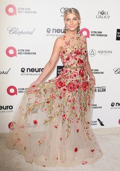 A romantic, floral Naeem Khan gown was Julianne Hough's pick for the annual Elton John bash