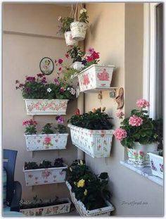 Dream Garden, Garden Art, Garden Design, Small Balcony Decor, Modern Courtyard, Hanging Pots, Balcony Garden, Outdoor Walls, Vintage Flowers