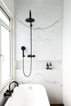 Look We Love: Black Accents in the Bathoom