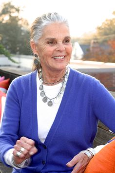 Ali MacGraw Talks Gifts at Ibu | Charlestongrit.com | Charleston, SC