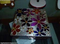 Resultado de imagem para flores em estanho Pewter Art, Metal Embossing, Copper Art, Russian Art, Metal Crafts, Mixed Media Art, Metal Art, Decoupage, Arts And Crafts