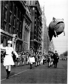 Vintage Photos of the Macy's Thanksgiving Parade.