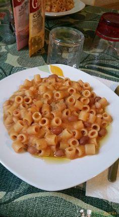 Pasta e fagioli Bimby, un piatto tradizionale di ogni famiglia italiana, sano e completo! Questa ricetta utilizza sia fagioli in scatola o fagioli cotti in casa
