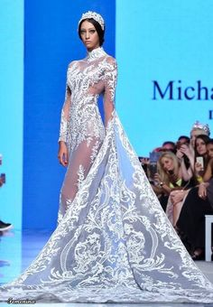 Discover NOWFASHION, the first real time fashion photography magazine to publish exclusive live fashion shows. High Fashion Makeup, Arab Fashion, Live Fashion, Fashion Show, Michael Cinco Couture, Here Comes The Bride, Elegant Woman, Fairy Makeup, Mermaid Makeup
