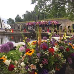 Tot 18 uur vanmiddag (en zondag) slenteren langs bloemen op Fort bij Kudelstaart #AalsmeerFlowerFestival #Stampions #FortbijKudelstaart